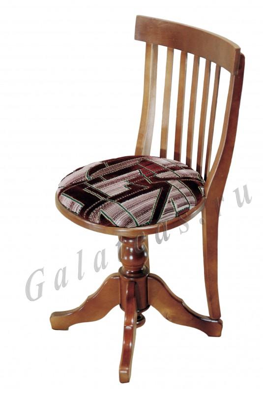 Стул изготовлена из массива берёзы.  Возможно заказать табурет любого цветового оттенка и типом обивки ткани.